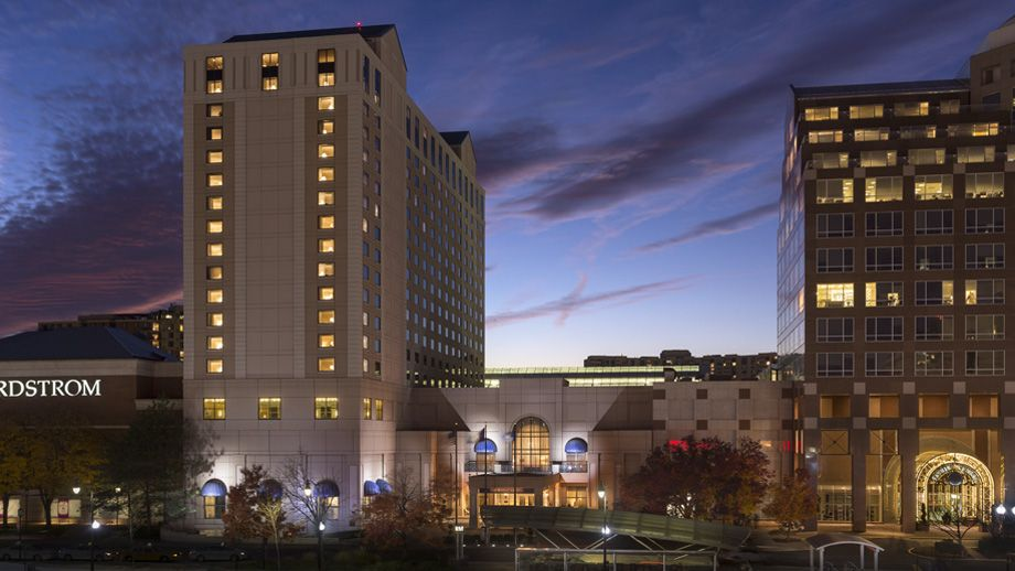 The Ritz Carlton Pentagon City Welcome To The Ritz Carlton Pentagon City Our Hotel Is Perfectly Located 10 Minutes Away From Do Virginia Hotels Arlington Hotel Niagara Falls Hotels