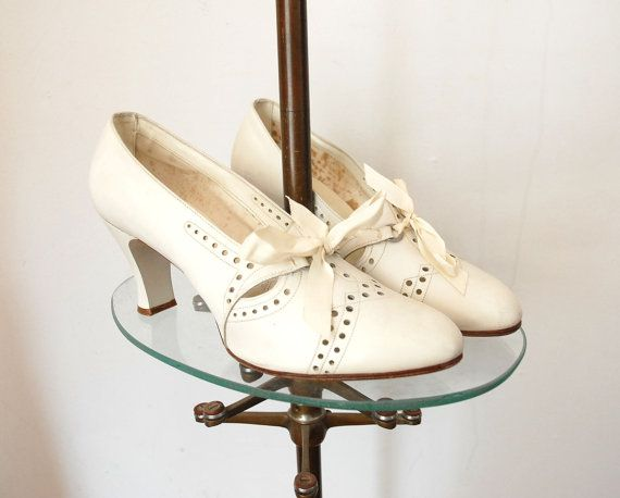 1930s Shoes / 30s Wedding Shoes / Ribbon by wildfellhallvintage, $194.00