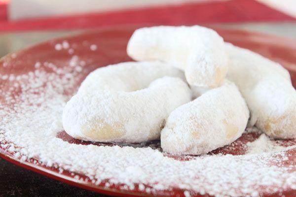 Greek Cookies - most delicious kourabiedes!