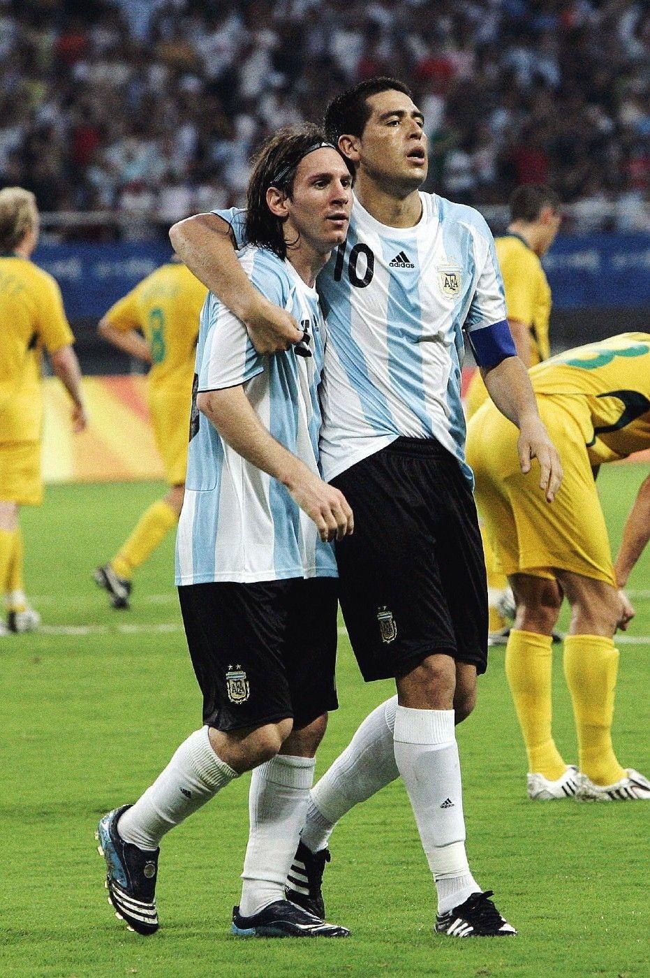 Lionel Messi Y Juan Roman Riquelme  E A Bd E A Bd