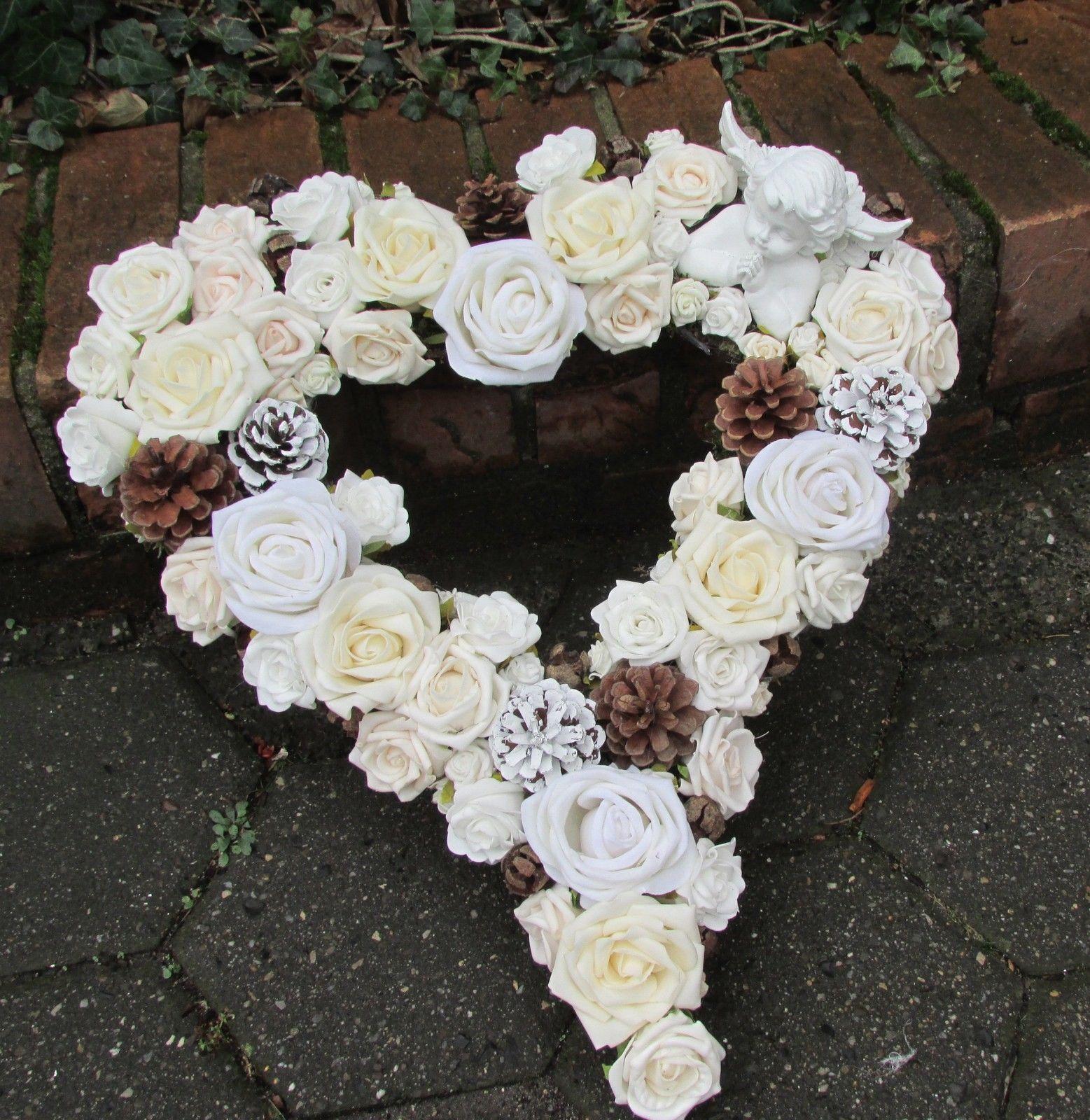 Grabgesteck grabschmuck herz wei engel rosen f r for Floristik allerheiligen