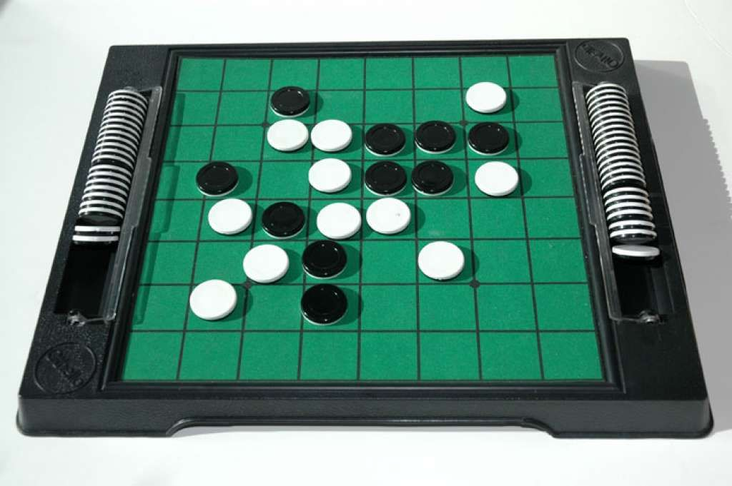 OTHELLO GAME Classic board games, Othello game, Classic