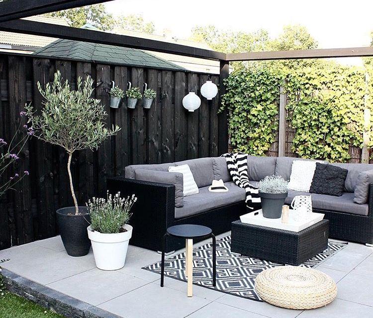 Pin By Nina K On Patio Outdoor Garden Rooms Backyard House Backyard Patio
