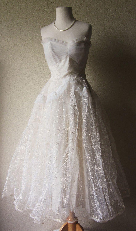 Vintageswhitelacetullerufflesrockabilly dresswhite wedding