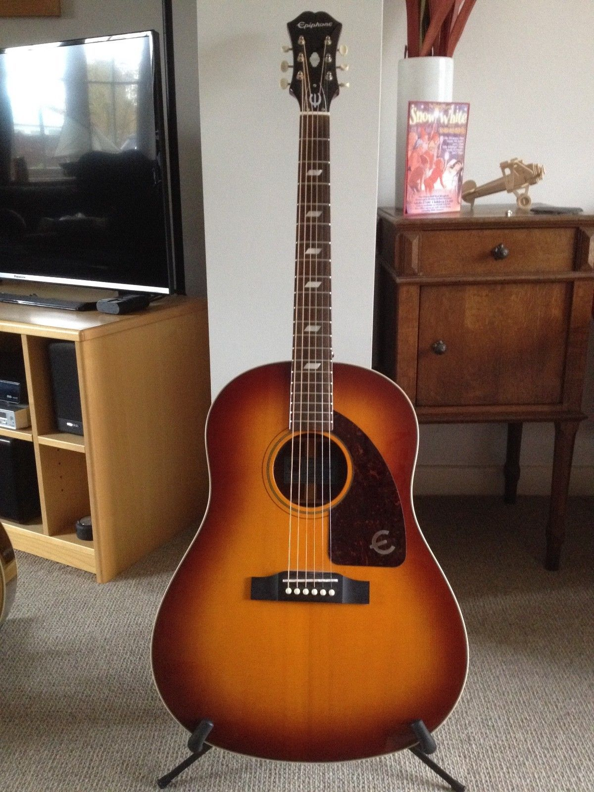 Epiphone Electro Acoustic Inspired By Vintage 1960 S Texan Epiphone Classic Guitar Epiphone Guitars