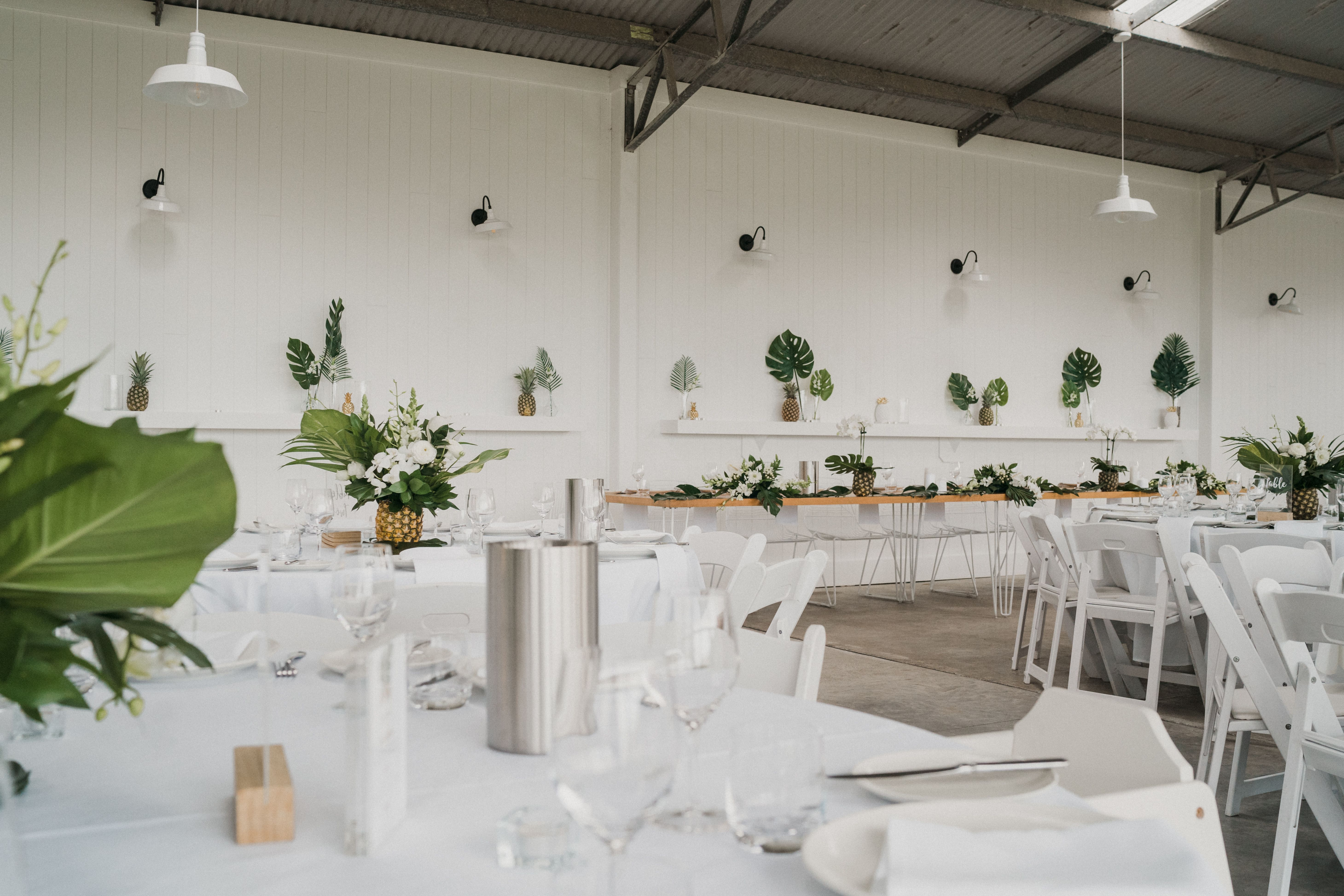 White Zed Chairs In 2020 Wedding Reception Chairs Wedding Chairs Bridal Table