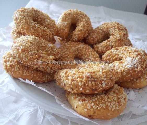 Croissants aux cacahuètes et aux grains de sésame , Louiza , doigts de fée