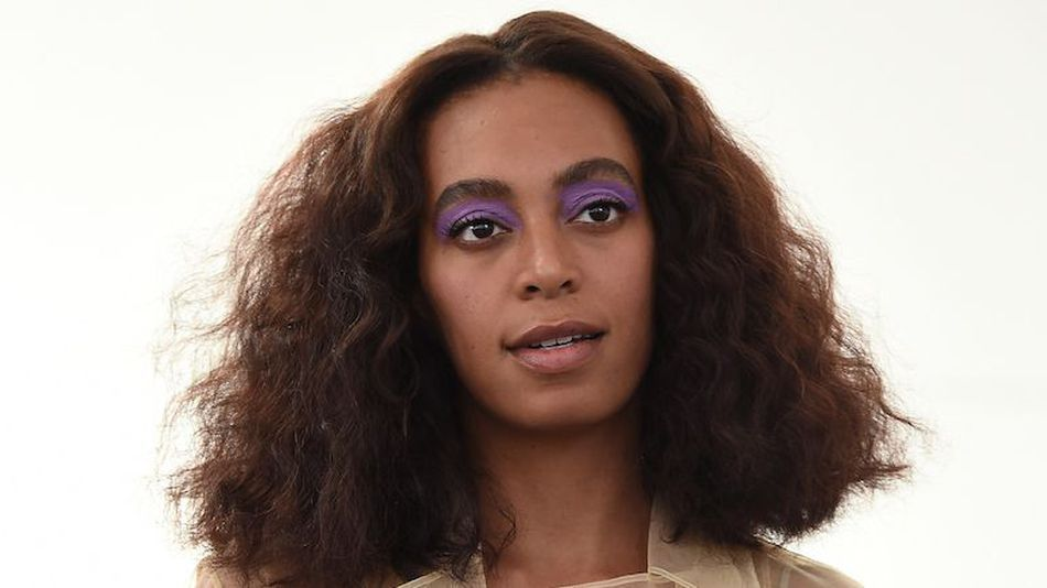 mashable: Solange pens a stirring essay on being black in 'white spaces' https://t.co/MaeabRorZW https://t.co/Q0feOcJlj8