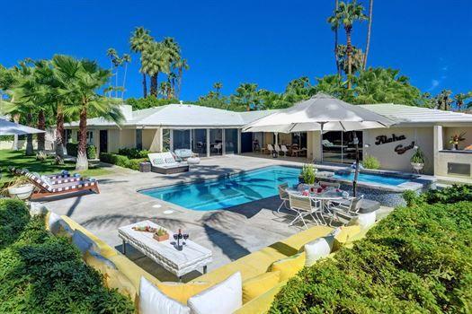 Casa Lola Luxury vacation rentals, House styles, Palm