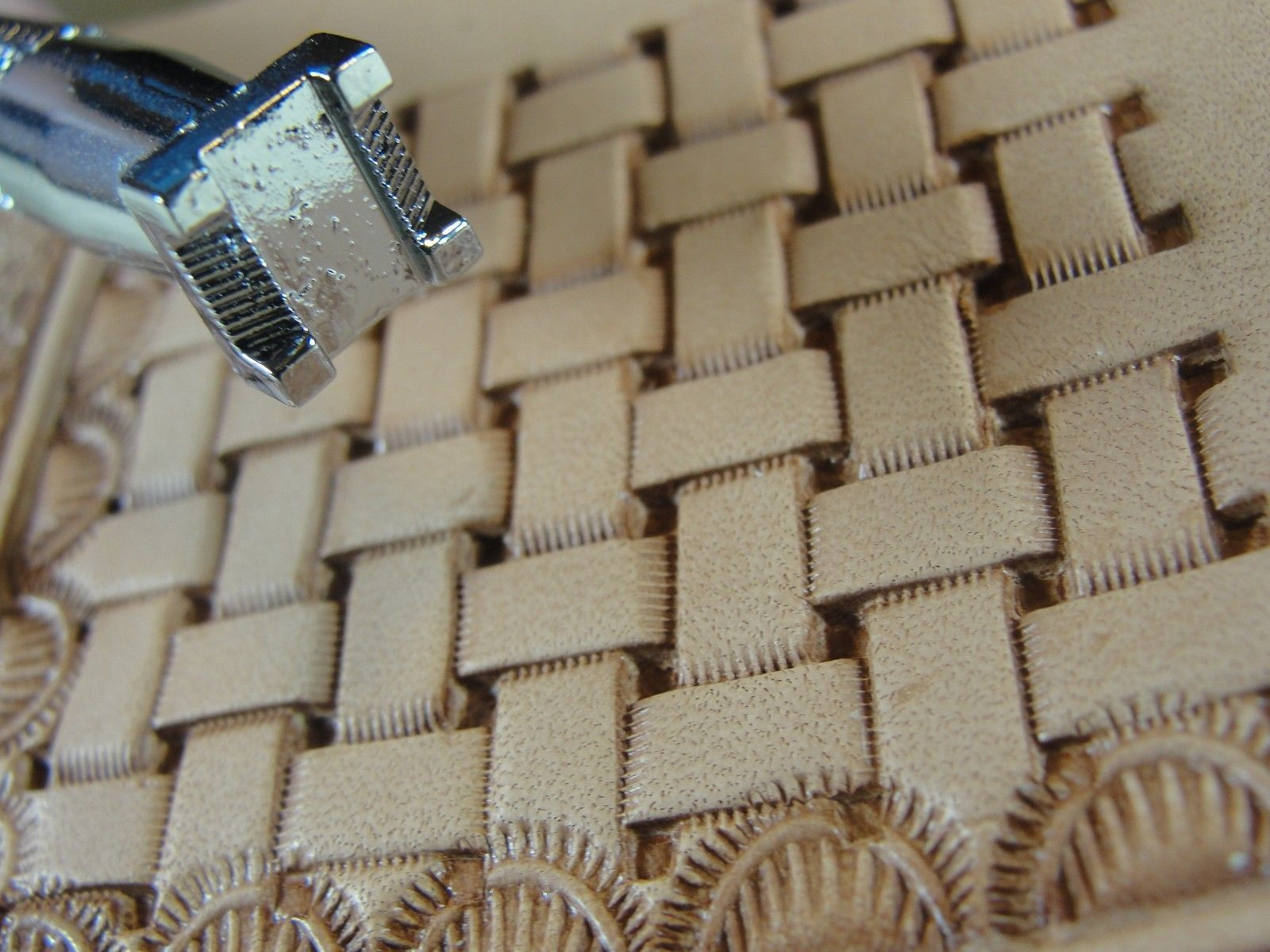 Basket Weave Pattern On Leather : This beautiful basket weave stamp will be a great addition