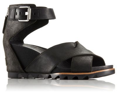 1034eb5c76da An extremely wearable leather sandal with a crisscross front strap ...