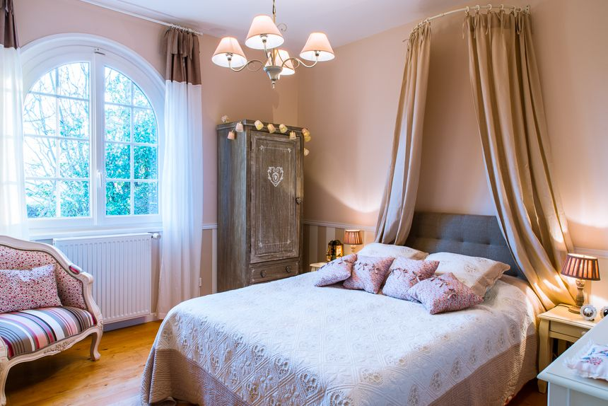 Deco Maison Romantique. Trendy Decoration Chambre Parentale ...