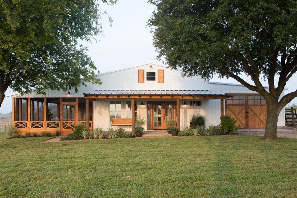 Fixer Upper: The All American Farmhouse