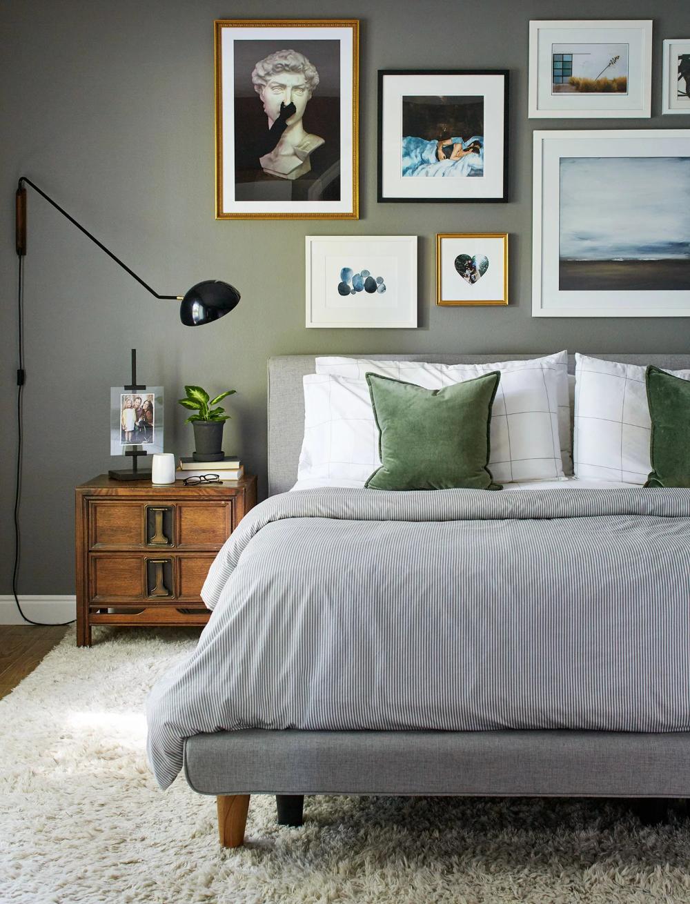 how to arrange your bedroom for the best night's sleep