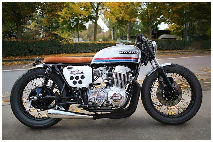 Honda Cb750 Four Sur Les Chapeaux De Roues 8negro Cafe Racer