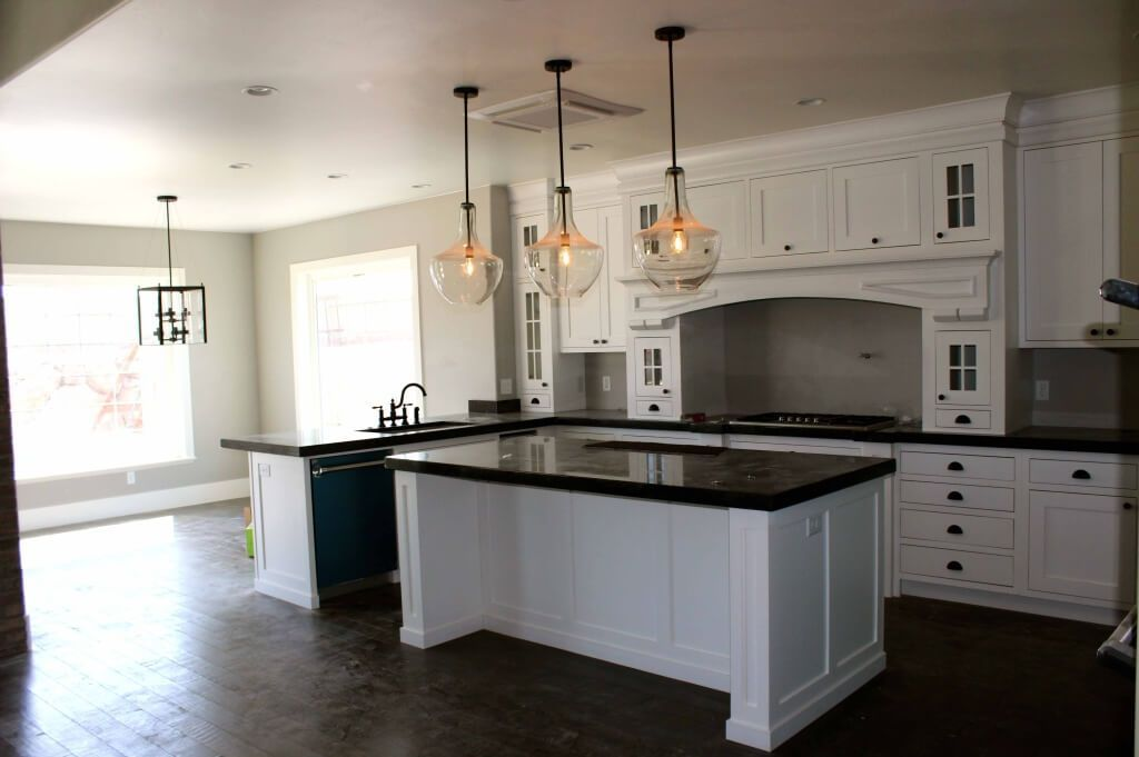 3 Oversized Clear Glass Kitchen Island Pendant Lighting Featuring