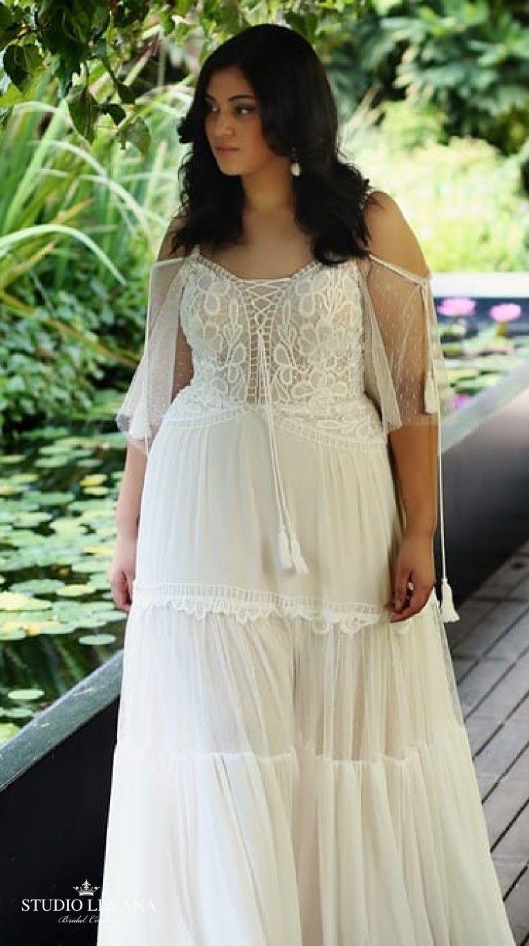 Beautiful Boho Chic Wedding Gown For Curvy Brides Agata Studio Levana Plus Size Wedding Gowns Chic Wedding Gown Wedding Gowns Vintage [ 1368 x 765 Pixel ]