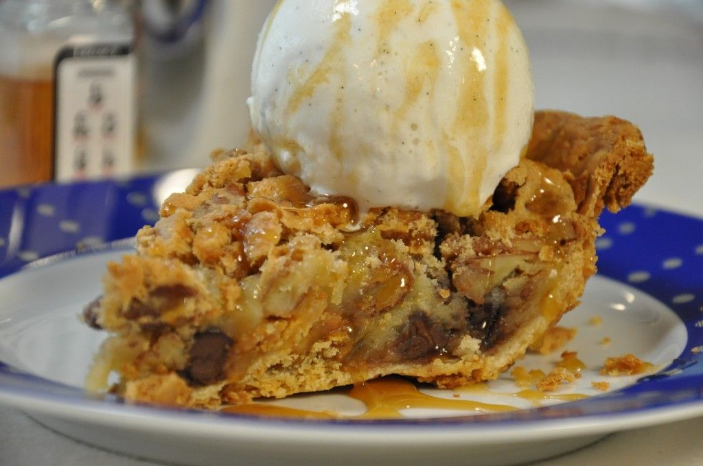 Race Day Chocolate Pecan Pie Recipe Derby Pie Pecan Southern