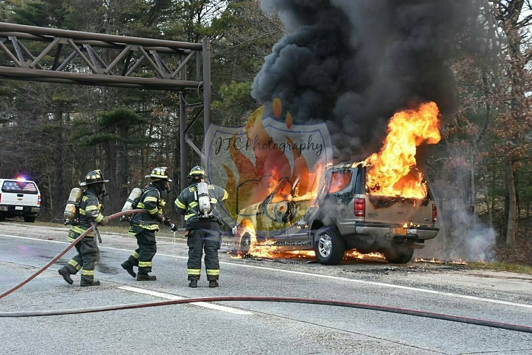 Featured Post Jtcphotographyli Brentwood Ny Firefighters Battle Involved Auto On The Sagtikos Parkway Northbound Just Fire Trucks Fire Service Fire Dept