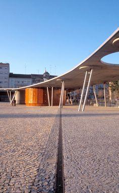Largo da Devesa City Square by Mateo Aquitectura