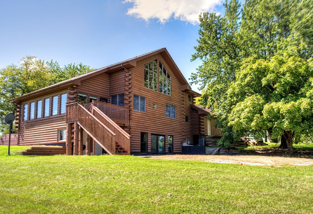 Madison County, Iowa Log Cabin Home for Sale on Acreage