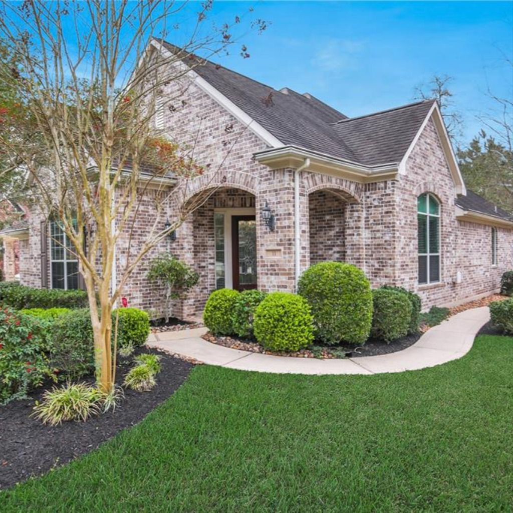 11 GRAYLIN WOODS PLACE, THE WOODLANDS, TX 77382 In 2020