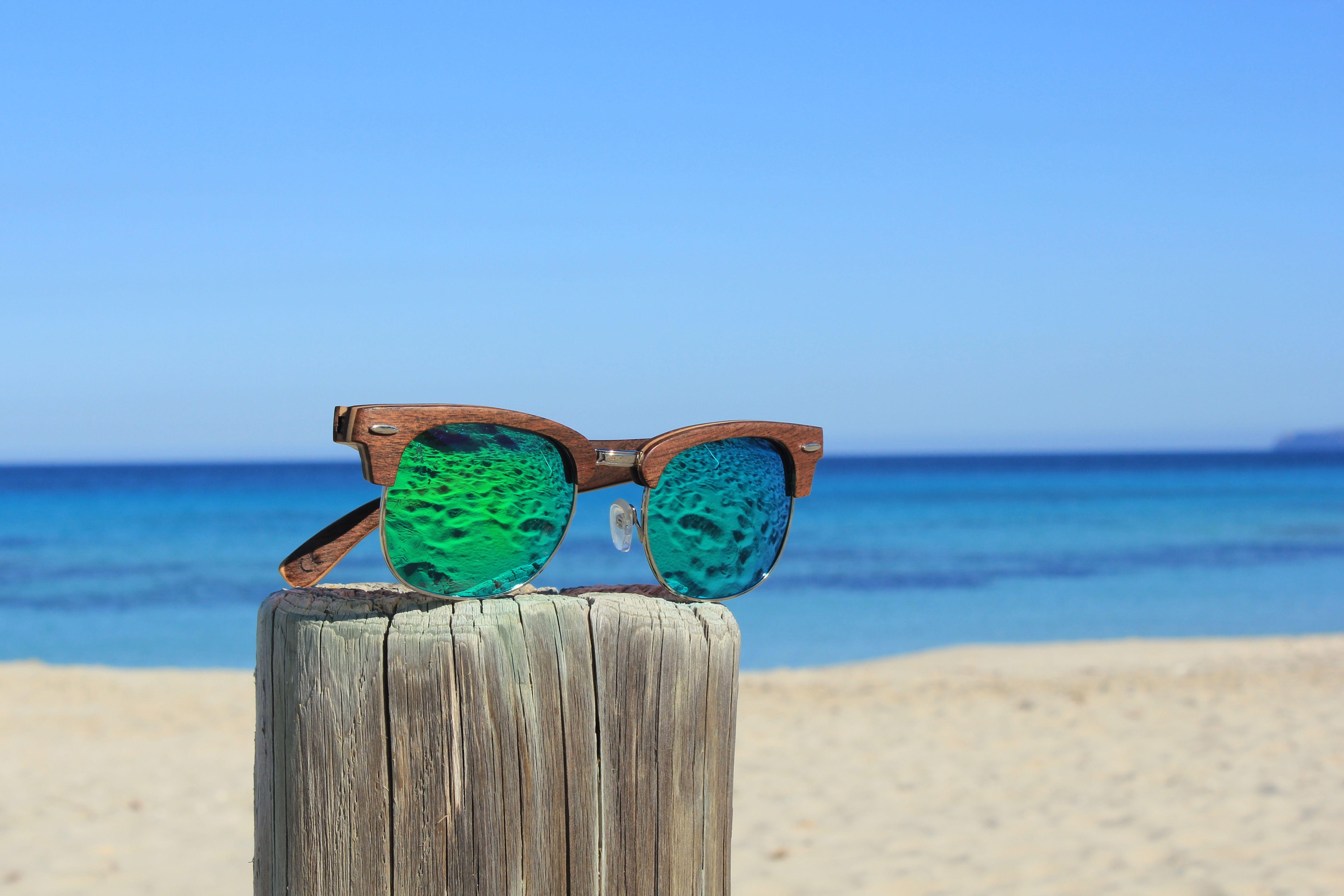 68e5b75790 Henzo - Gafas de sol unisex, con montura de madera de Nogal realizadas a  mano