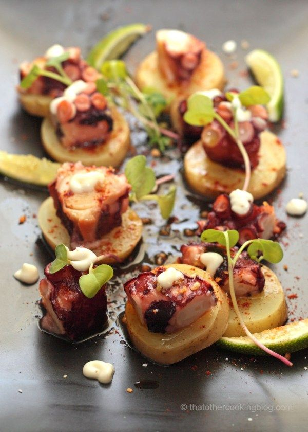 "Blæksprutte på galicisk (Pulpo a la gallega) fra ""That Other Cooking Blog"". #galicien #tapas #mad"