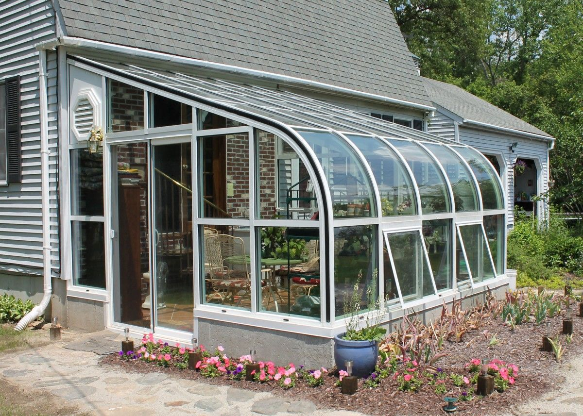 Solarium rooms greenhouse solarium sun room curved for Solarium room