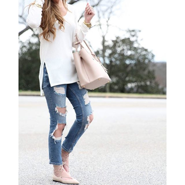 This casual look is on www.forallthingslovely.com today!  I absolutely love the chic sid..... @liketoknow.it www.liketk.it/2501x #liketkit