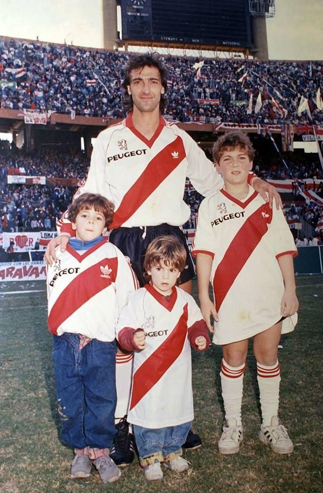 de67188250005 Jorge Higuaín con sus hijos Federico
