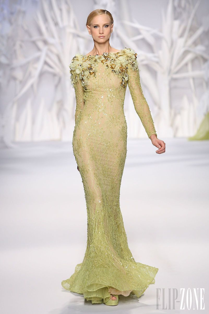 Abed Mahfouz - Couture - Fall-winter 2013-2014 - http://en.flip-zone.com/fashion/couture-1/independant-designers/abed-mahfouz-4046