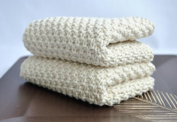The set of 2 towels. They are made of 100% organic cotton ...