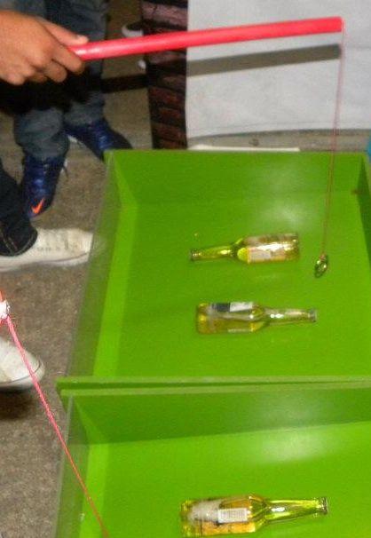 Juego De Levantar La Botella Un Poco Dificil Pero Muy Buena