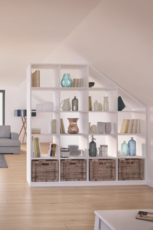 Regale ohne Rückwände sind ideale Raumteiler, da sie verschiedene