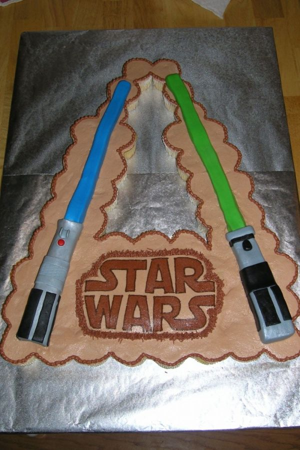 Lightsaber Cupcake Cake With Images Cupcake Cakes Star Wars