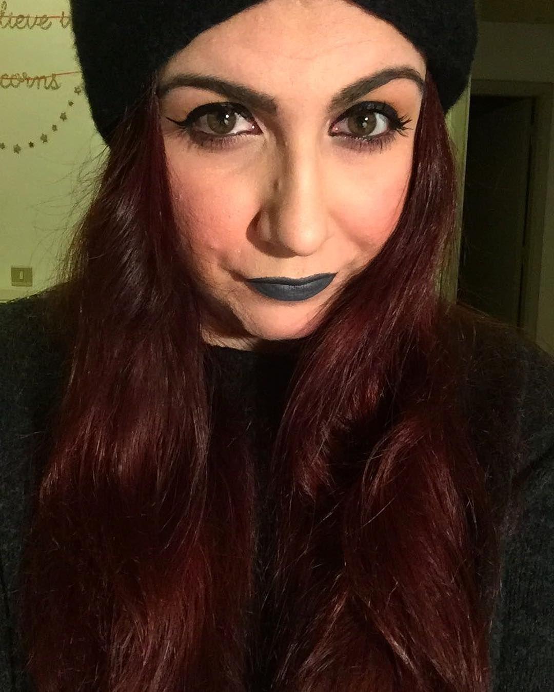 But I'm a creep I'm a weirdo ft @kikomilano Velvet Passion lipstick nr 324 Slate Grey  #consiglidimakeup #kikotrendsetter #kikomilano #kikocosmetics #grey #lipstick #selfie #redhairdontcare