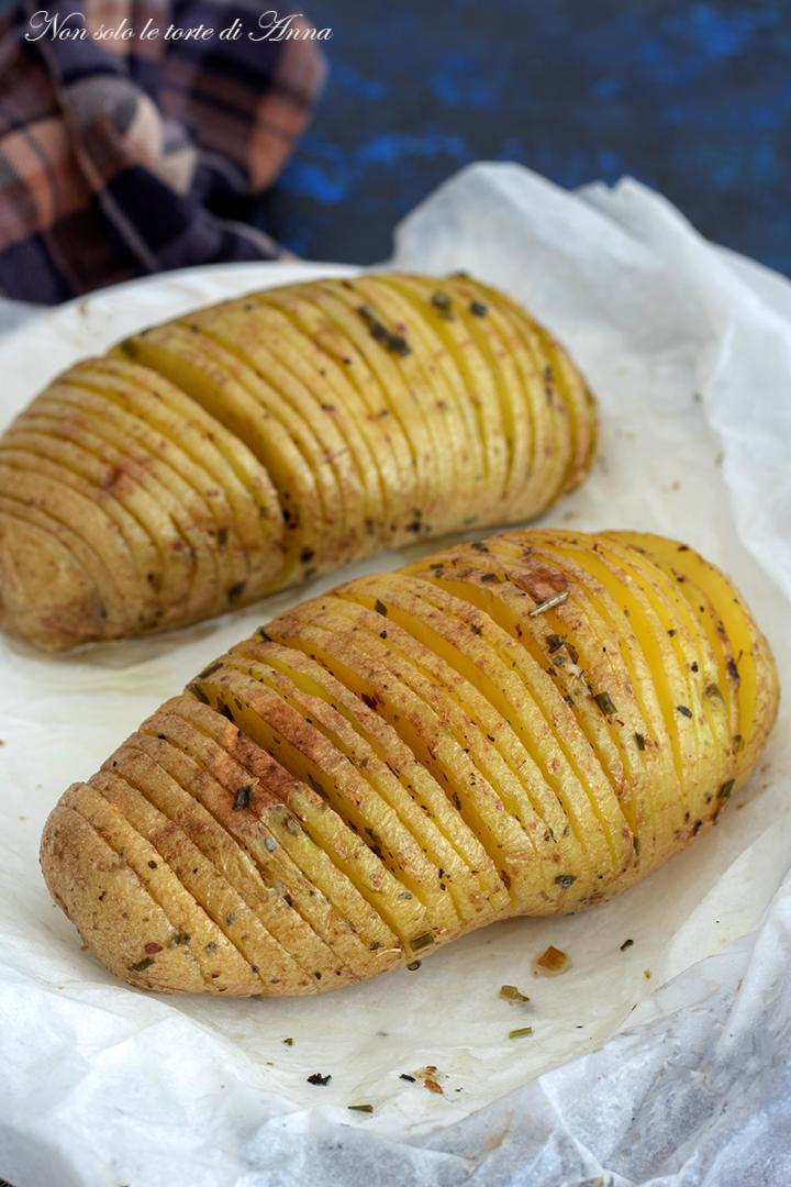 Patate ventaglio le patate hasselback sono facili e for Cucinare hamburger microonde