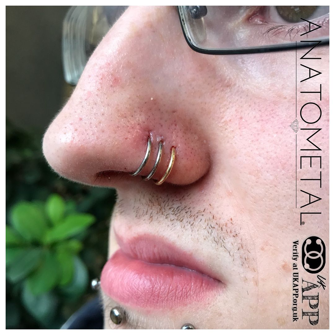 """Get-Pierced UK 🇬🇧 on Instagram: """"@karlosruddos is at it again! 🙌 he's adding another #18kgold seam ring to his #nostrilpiercing 👌🏻 this time it's #yellowgold by…"""""""