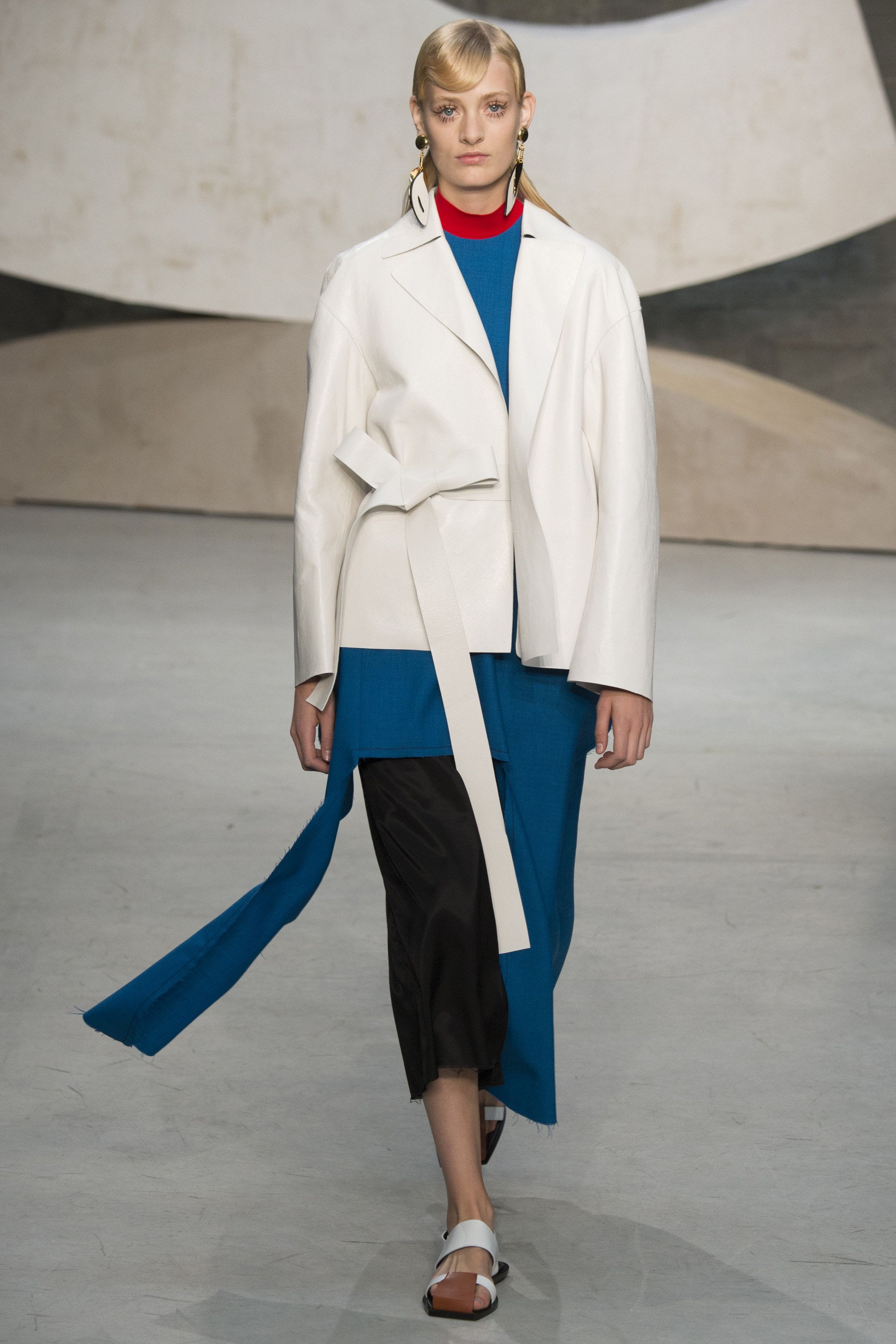 Marni Spring 2016 Ready-to-Wear Fashion Show | in-SPRING ...