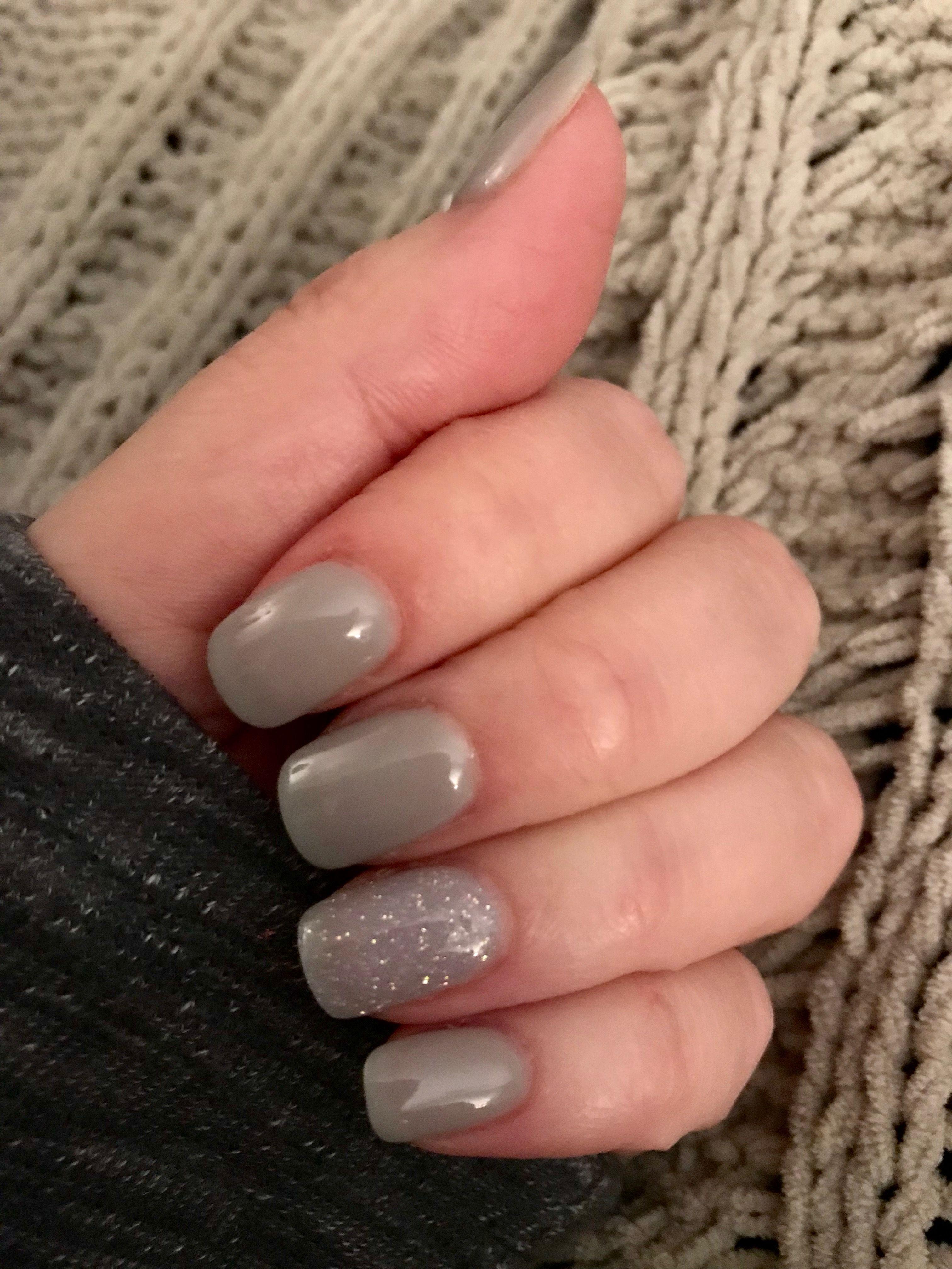 Sns Powder Dip Winter Holiday Grey And Silver Holiday Nails