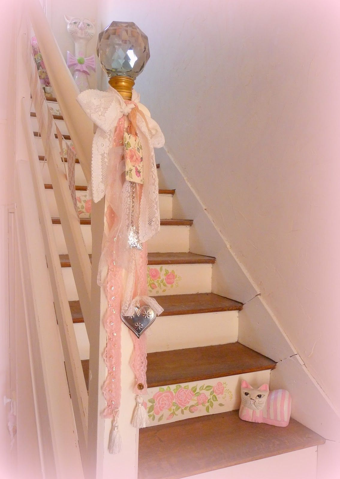 shabby stairs from my shabby french life wohnen. Black Bedroom Furniture Sets. Home Design Ideas