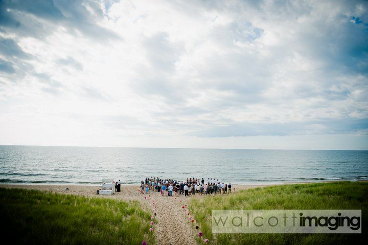 Beautiful Beach Wedding In Saugatuck Mi Michigan Wedding Venues