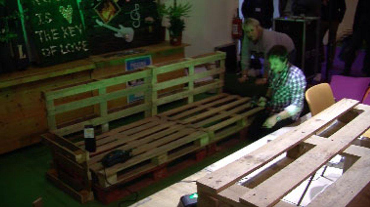 Valérie Damidot adopte le salon de jardin en palettes ! | meuble