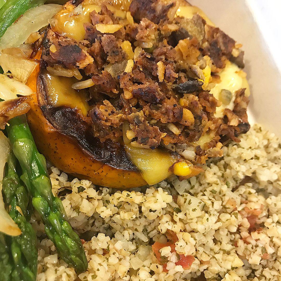 Vegan meal service to your work home or gym #veganfood #vegano #veganlife #vega