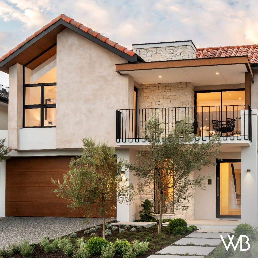 224 Likes 5 Comments Webb Brown Neaves Webbandbrownneaves On Instagram Introducing The Casa Redefining Old World Eu Di 2020 Penataan Rumah Denah Rumah Rumah