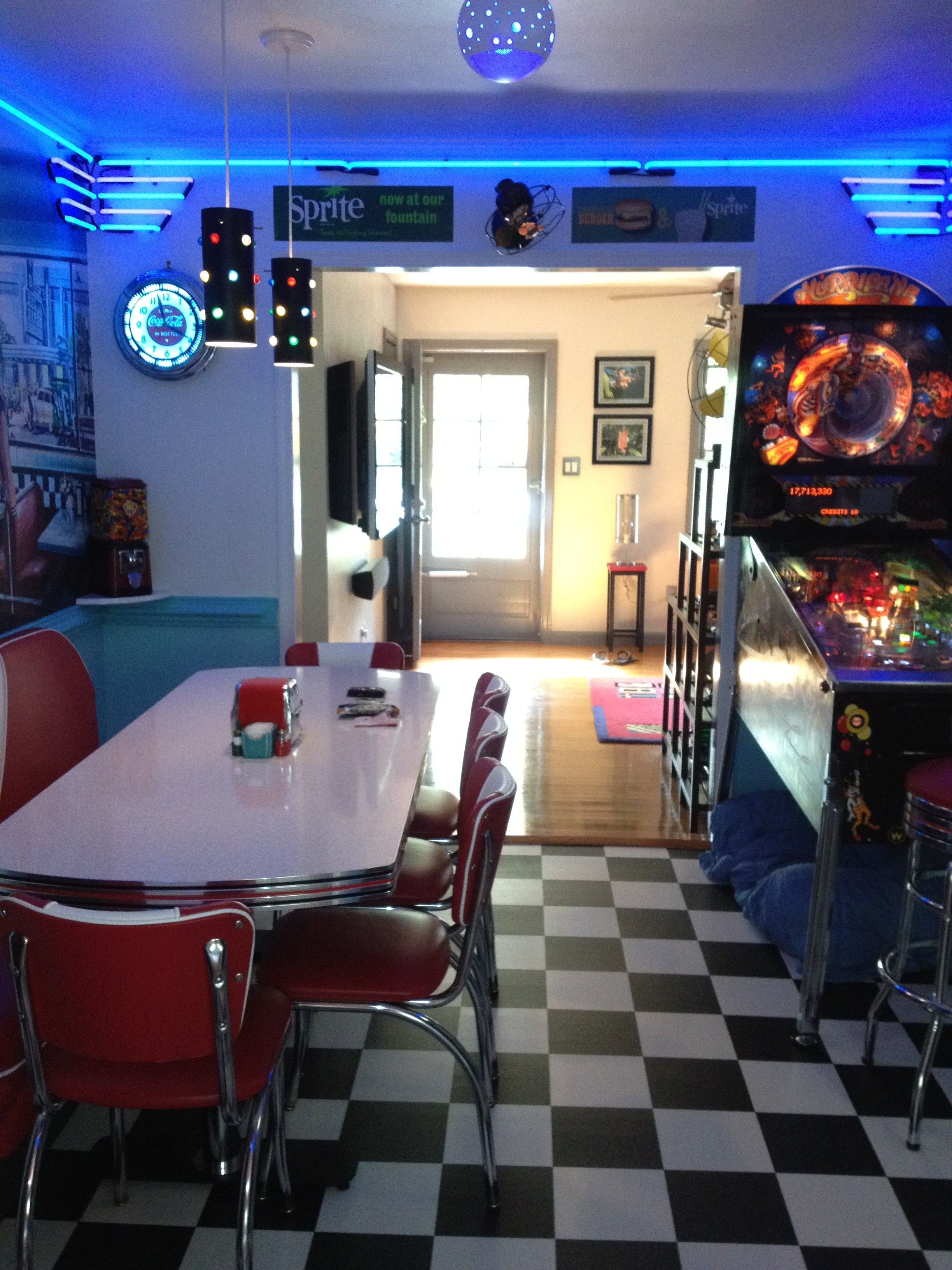Retro Kitchen Ideas: Diner Booth, Chairs, Tables, Home Diner ...