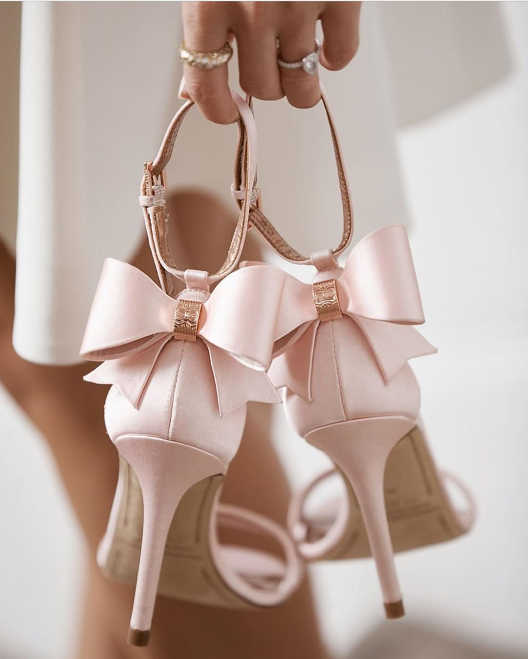 Pnina Tornai On Instagram Pretty In Pink Don T Be Afraid To Add A Pop Of Color To Your Wedding Day Footwear Design Women Bow Heels Beautiful Wedding Shoes