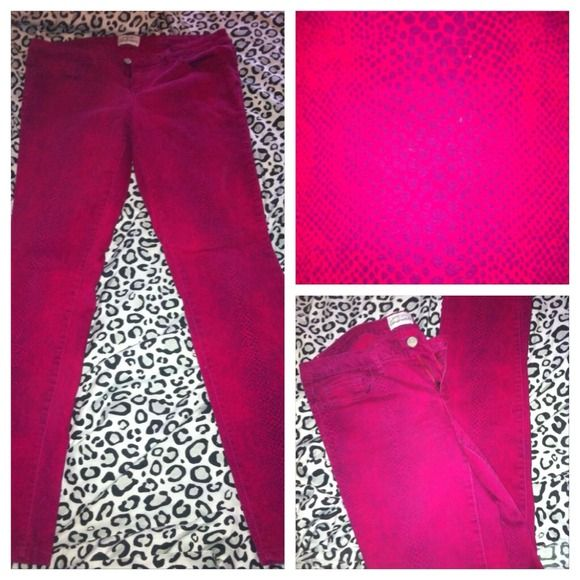 Pink and purple snakeskin skinny jeans! Has snakeskin design in purple, size 11 fits like a 9. From Aeropostale. Willing to trade! New condition, worn once. Aerópostale Pants
