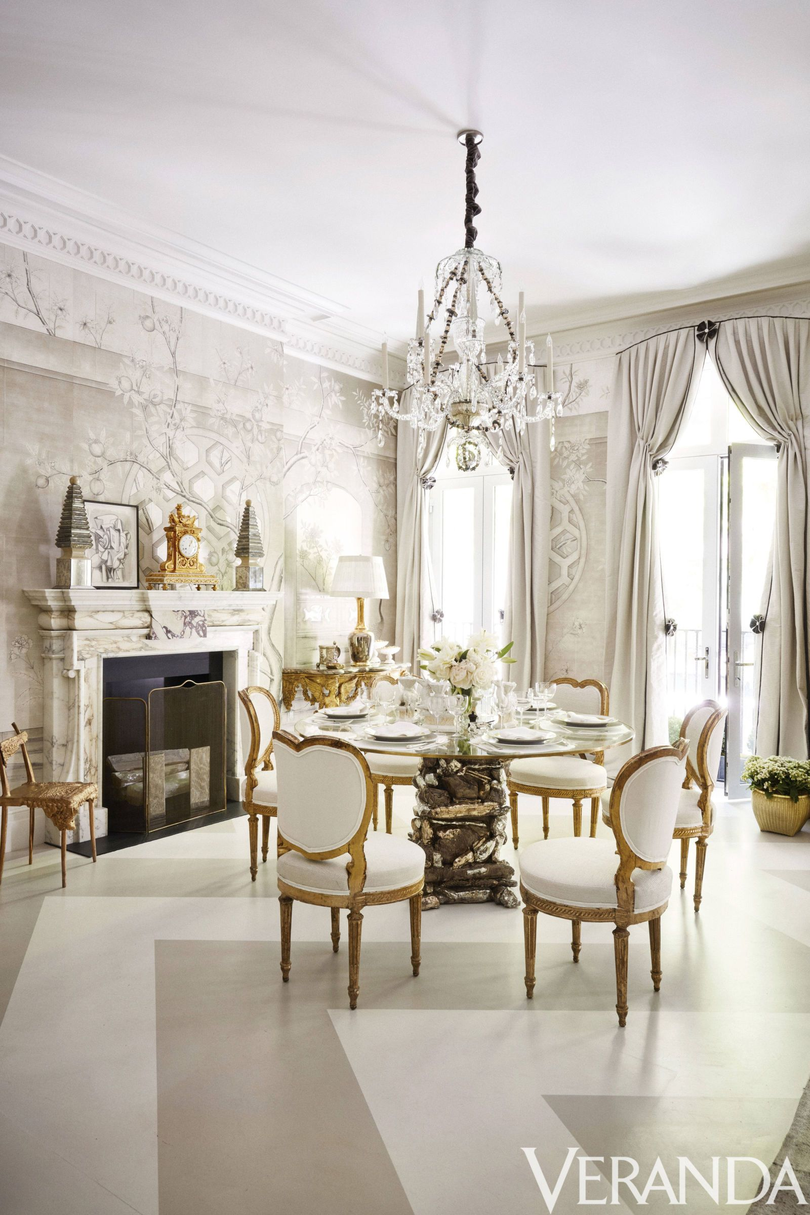 Tour A Winter White Dining Room Design By Alex Papachristidis Debuted At Last Spring S Kips Bay Decorator Show House In New York
